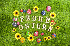 frohe-ostern-eggs-grass-28849659